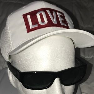 LOVE THE HAT Accessories - LIMITED EDITION (L-XL) WHITE ❤️LOVE THE HAT ❤️VIP